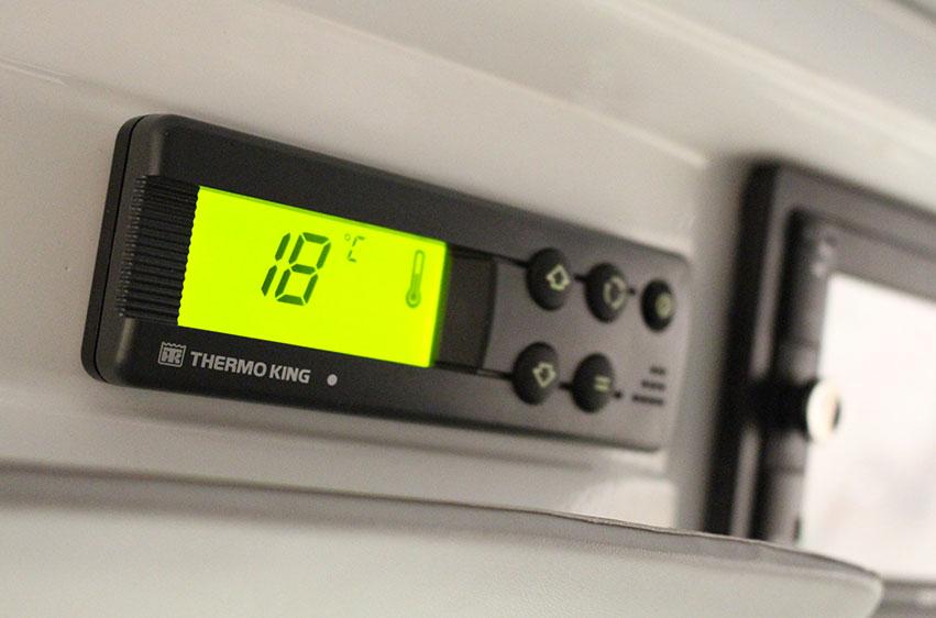 Elektrisk kylbil PRO Litium 3800C manöverpanel